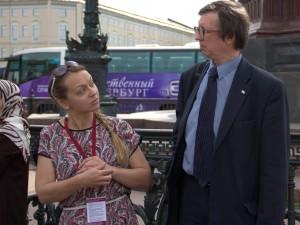 Наталья Романченко на проверке бюллетеней